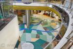 На фото, напольное покрытие из керамической плитки и керамического гранита, в торгово-развлекательном центре «Меркурий»