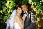 Свадебная фотосъемка в зарослях плюща