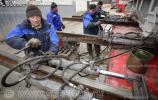 Гидротолкатели для перемещения трансформатора по рельсам, фото