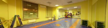 Панорамная фотография интерьера гимнастического зала в спортивном центре