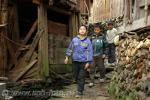 Группа мальчишек в деревне на Юго-Западе Китая, фото