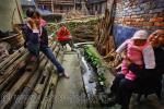 Сельские посиделки по-китайски, фотография 2010 года (апрель), Юго-западный Китай, провинция Guizhou, деревня Zhaoxing