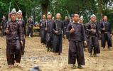 На фото: Вооруженные силы Китая, вернее Народно-освободительная армия Китая (中国人民解放军), насчитывает два миллиона двести пятьдесят тысяч человек (цифры из Википедии)