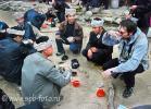 Пью рисовую водку на похоронах в Юго-Западном Китае, деревня Зенчон, провинция Гуйчжоу