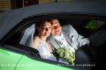 Фото Владимира Григорьева, молодожены в свадебном автомобиле
