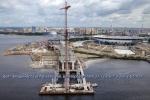 Вид на Крестовский остров с пилона строящегося вантового моста через Петровский канал в Санкт-Петербурге