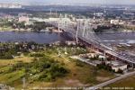 Вид с вертолета на Неву, Большой Обуховский мост, и деревню Новосаратовка