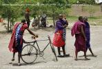 Религиозные взгляды не позволяют представителям племени масаи фотографироваться задаром