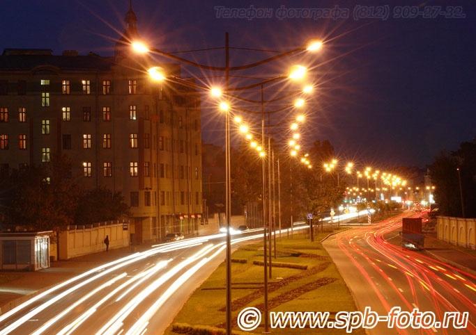 Вечернее освещение магистрали Лиговского проспекта