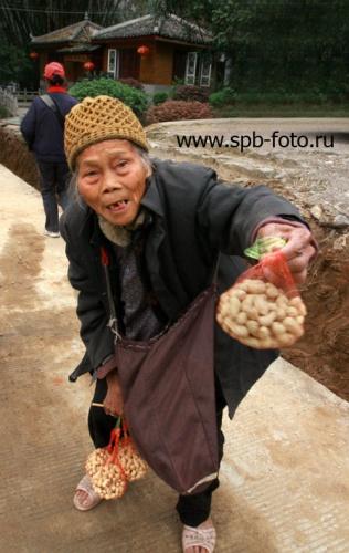 Китайская бабушка, фото