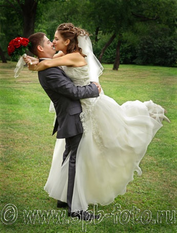 Динамичное свадебное фото