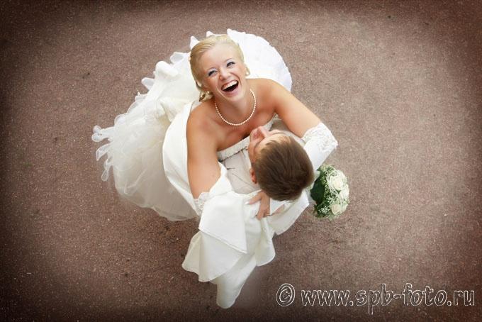 Динамика и эмоции в свадебном фото