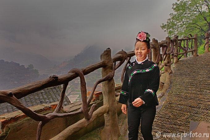 Женщина из горной деревни на Юго-Западе Китая, фото