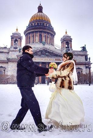 http://spb-foto.ru/foto/thumbs/lrg-2703-winter_wedding_in_st_petersburg.jpg