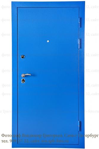 Продукция завода металлических дверей, фотосъемка для сайта предприятия