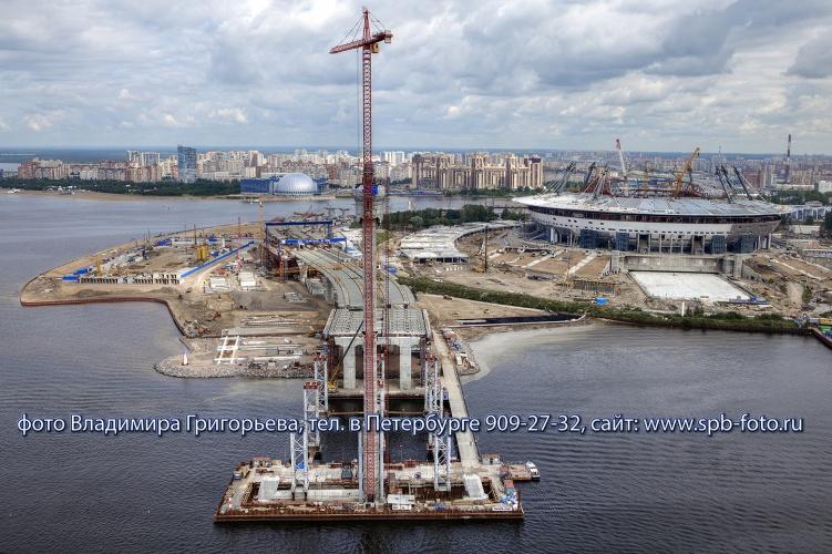 Строительство вантового моста через Петровский фарватер в Санкт-Петербурге