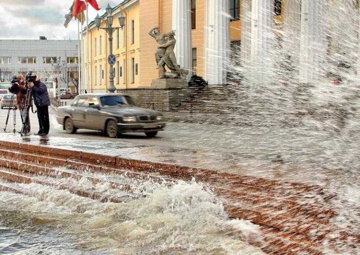 http://spb-foto.ru/foto/thumbs/lrg-332-spb_navodnenie.jpg