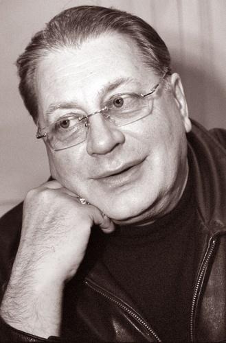 Актер Валентин Смирнитский
